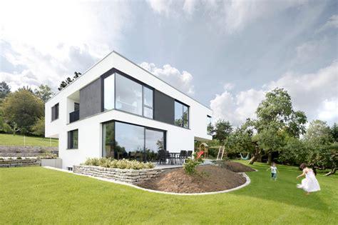 flachdachhaus modern flachdachhaus mit gro 223 em garten modern h 228 user