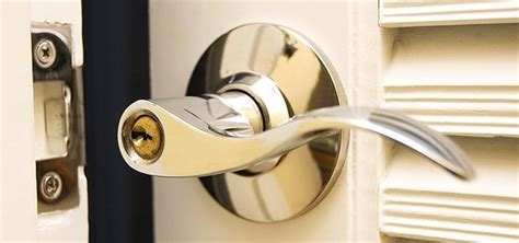 How To Open Locked Door Knob by How To Open A Door Lock Without A Key 15 Tips For
