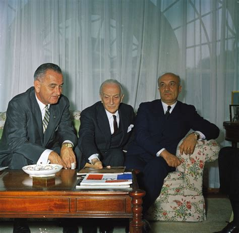 vice president lyndon baines johnson living among the kennedys books kn c18055 vice president lyndon b johnson with prime
