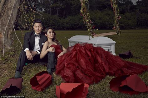 Dress 2mcoolmrs Smith Baju Baju Family undertakers tay and darren cheng pose for wedding