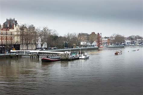 thames clipper putney enhanced river bus services between putney blackfriars