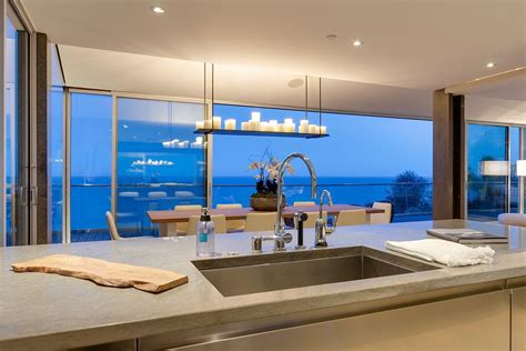 Luxury Sitting Room - modern malibu beach house rooms with a view