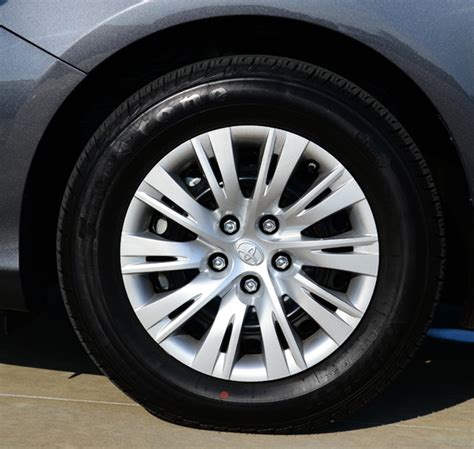 2012 Toyota Camry Tires 100 Cars 187 Archive 187 2012 Toyota Camry Le Review