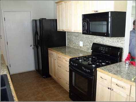kitchen cabinets black appliances quicua