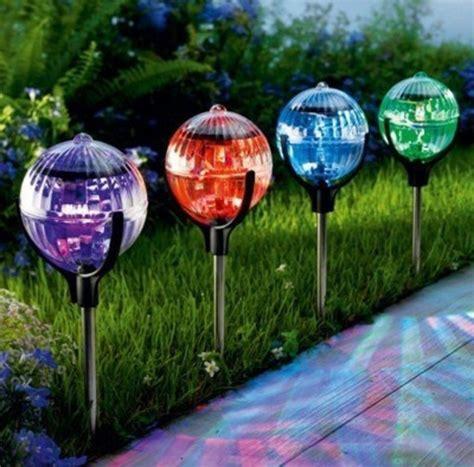 de jardin solaire les les solaires de jardin 233 clairage joli et 233 cologique pour l ext 233 rieur