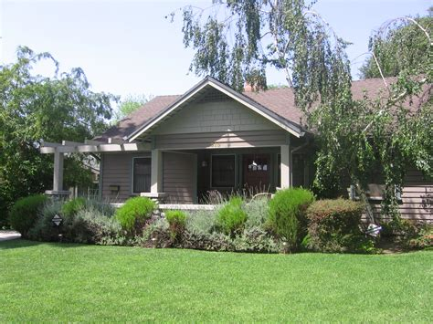 craftsman style bungalows in pasadena ca arts and crafts pasadena bungalow heaven home tour it s a magical