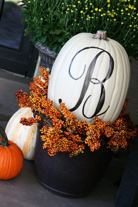dishfunctional designs decorating with unusual unique pumpkins for autumn and halloween