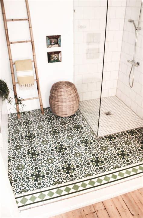 Badezimmer Fliesen Wieder Weiß Bekommen by Die Besten 25 Bad Fliesen Ideen Auf Bad