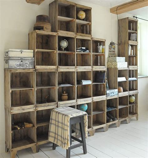 build  shelving unit   wall   crates diy