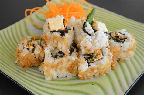 Sushi Kitchen Vegetarian Japanese Food Crunchy Buddha S Delight Sushi Rolls