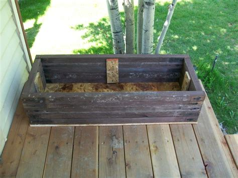 how to build flower boxes from deck or fence wood