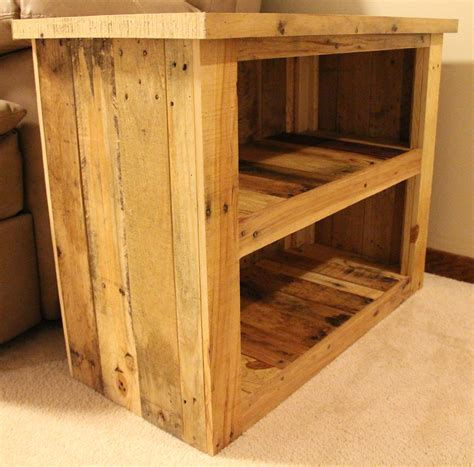 Reclaimed Pallet Furniture by Reclaimed Pallet Wood Furniture Side Table
