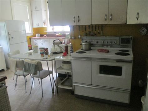 file the sandburgs 1950s kitchen img 4857 jpg