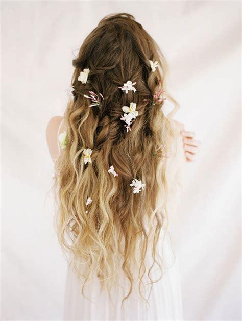 Flower Hairstyles For Hair by Best 25 Flower Hair Ideas On Wedding