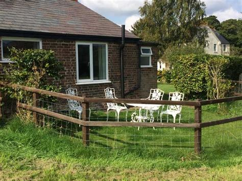 Petersfield Cottages by The Garden Chalet Pet Friendly Cottage
