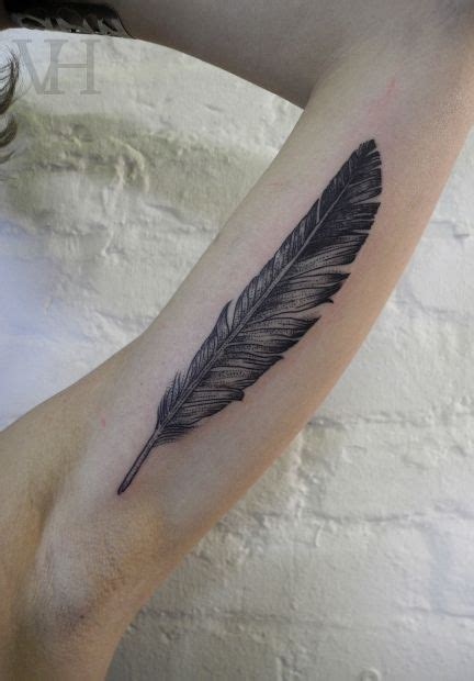 dave grohl feather tattoo feather this is like dave grohl s tattoos