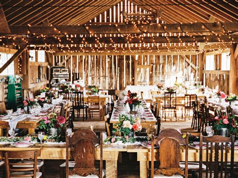 rustic design adalah konsep pernikahan unik yang menginspirasi