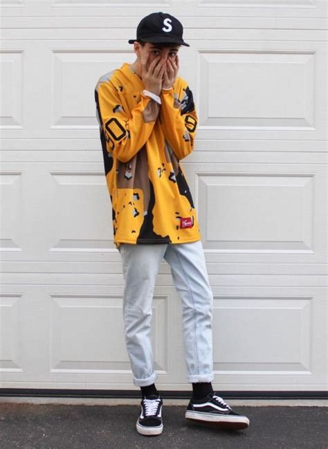 discount supreme clothing 25 best ideas about streetwear fashion on