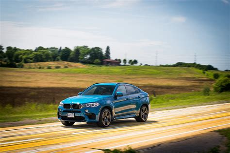 bmw jeep 2016 comparison bmw x6 m 2016 vs jeep grand srt