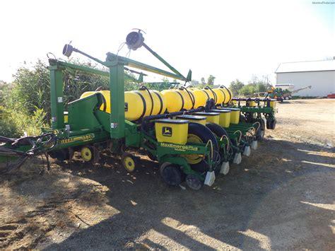 Deere 1770 Planter by 1997 Deere 1770 Planting Seeding Planters