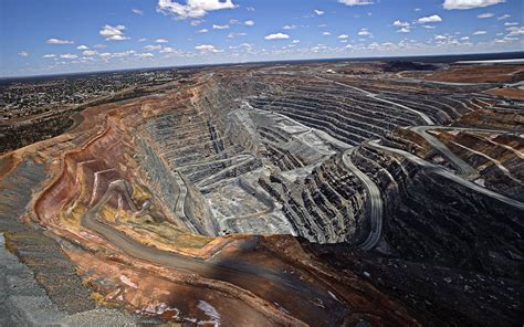 pits australia miners dig in to help scrap the ret stop these things