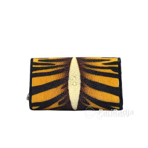 Gantungan Kunci Nama Motif Unik gantungan kunci stnk kulit ikan pari motif unik