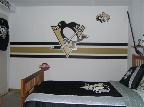 penguins in the room 1000 images about boys bedrooms on boy rooms hockey and pittsburgh penguins hockey