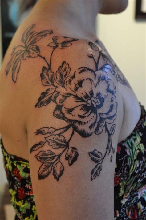 flower tattoo for shoulder brown but flower on shoulder female tattoofemale tattoos