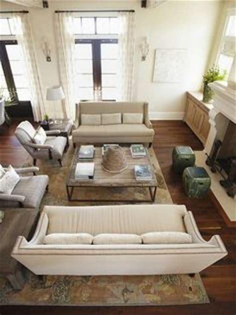 arrange  sofas   living room  ways