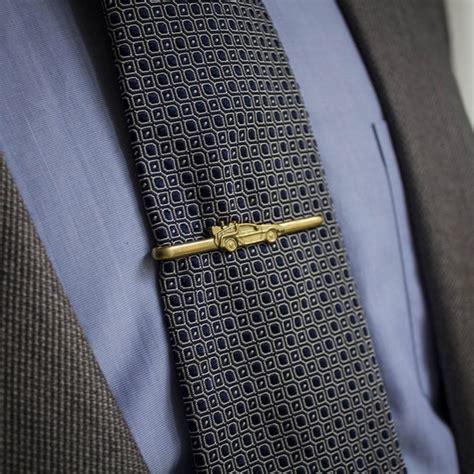 tie clip inspired in delorean s line of the back to