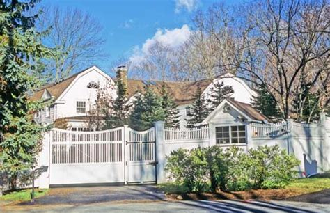 clinton house new york hillary clinton home chappaqua new york images