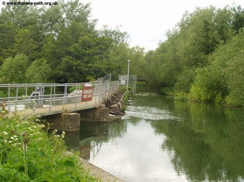 river thames boat hire abingdon the thames path abingdon to oxford
