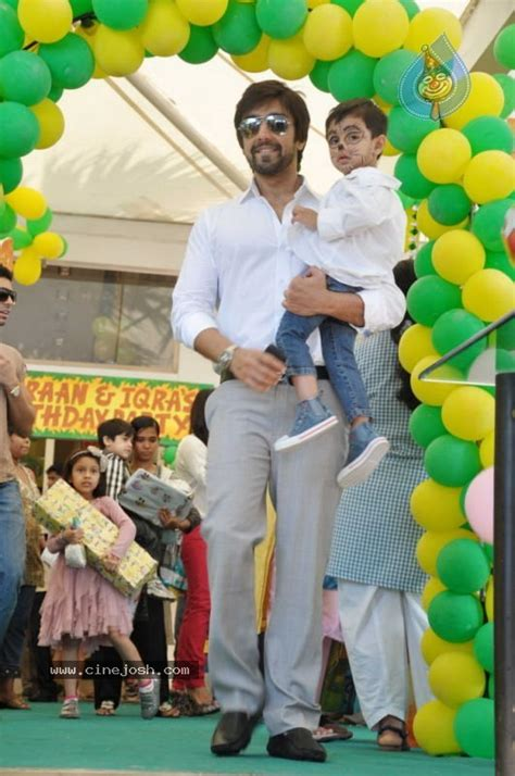 Indian Home Decor sanjay dutt kids birthday party photo 3 of 30