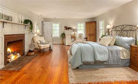 hardwood or carpet in bedroom 15 master bedrooms with hardwood flooring