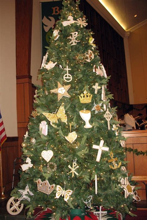 the brst chriss tree and litlle church 10 best chrismon images on deco decor and ornaments