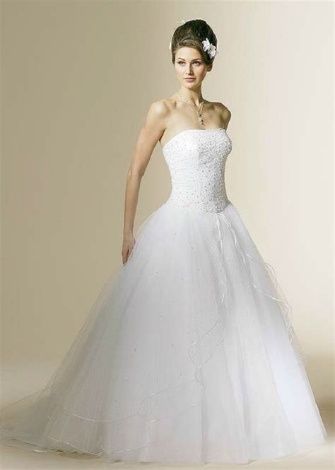 Wedding Hairstyles To Suit Dress by Fashioned Wedding Gowns And Suits Photos Wedding
