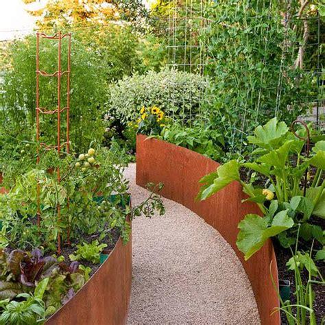 Top Garden Trends For 2013 Veggie Gardens Raised Beds Creative Vegetable Gardens