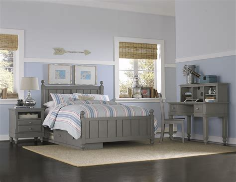 ne lake house panel bed with chamfered posts