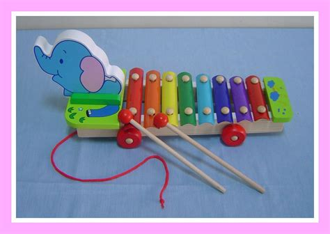 Strawberry Xylophone musical land