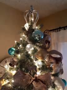 unique tree toppers 8 beautifully unusual christmas tree topper ideas