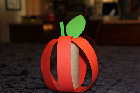 rosh hashanah craft projects rosh hashana centerpieces toilet paper roll apples