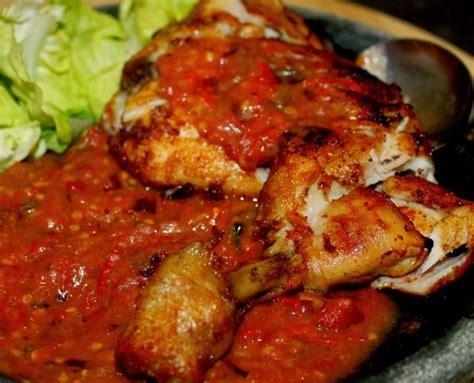 Ayam Goreng Penyet Bumbu Ketumbar resep masakan khas indonesia aneka menu masakan lokal