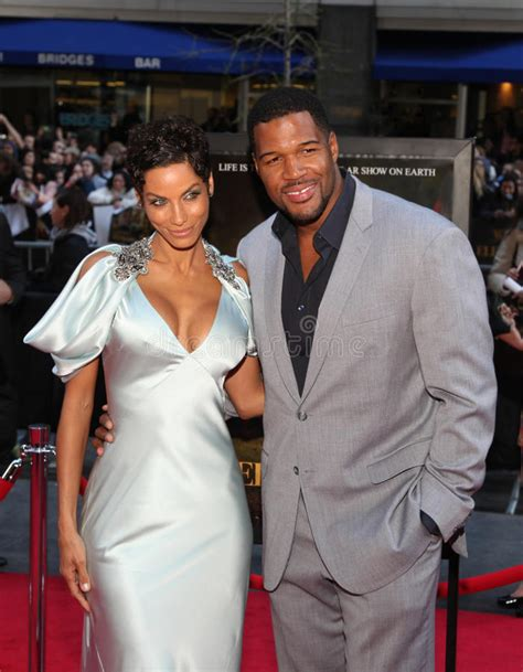 what kind of haircut does michael strahan have nicole murphy and michael strahan editorial photography