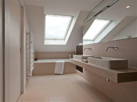 bett unterm dachfenster fishzero dusche unterm dach verschiedene design