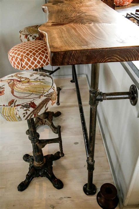 Soft Floating Stool by 17 Best Ideas About Floating Desk On Rustic