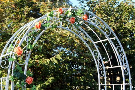 Wedding Flower Arch Uk by Decorative Arch For Hire For Hertfordshire Weddings