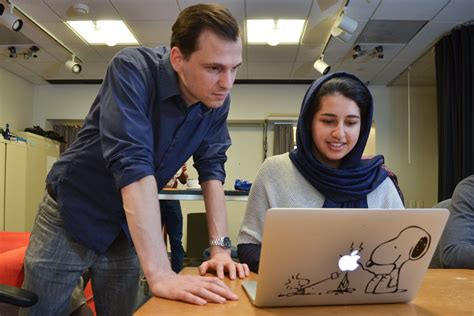 Computer Science Mba Stanford by Stanford Collaborates On Research To Help Groups