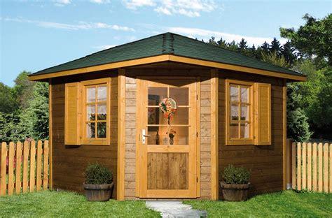 maisons de jardin en bois abris jardin bois mediterranea pentagonale sans surelevation architecture bois magazine