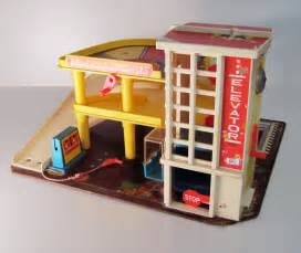 sale fisher price garage vintage 1970 by thepantages