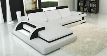 deco in canape d angle cuir blanc et noir design